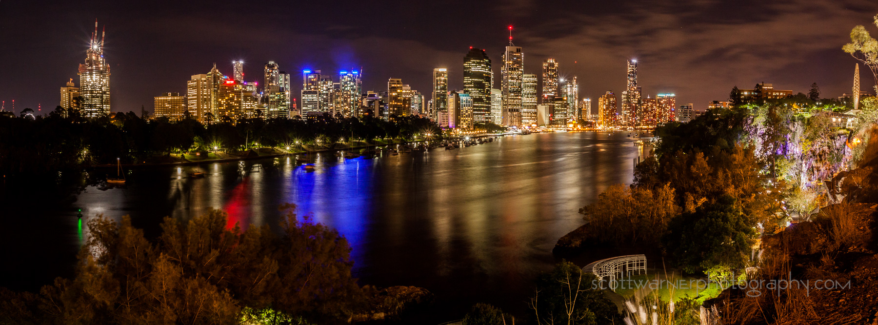 The CBD from Kangaroo point. A 2 shot panorama