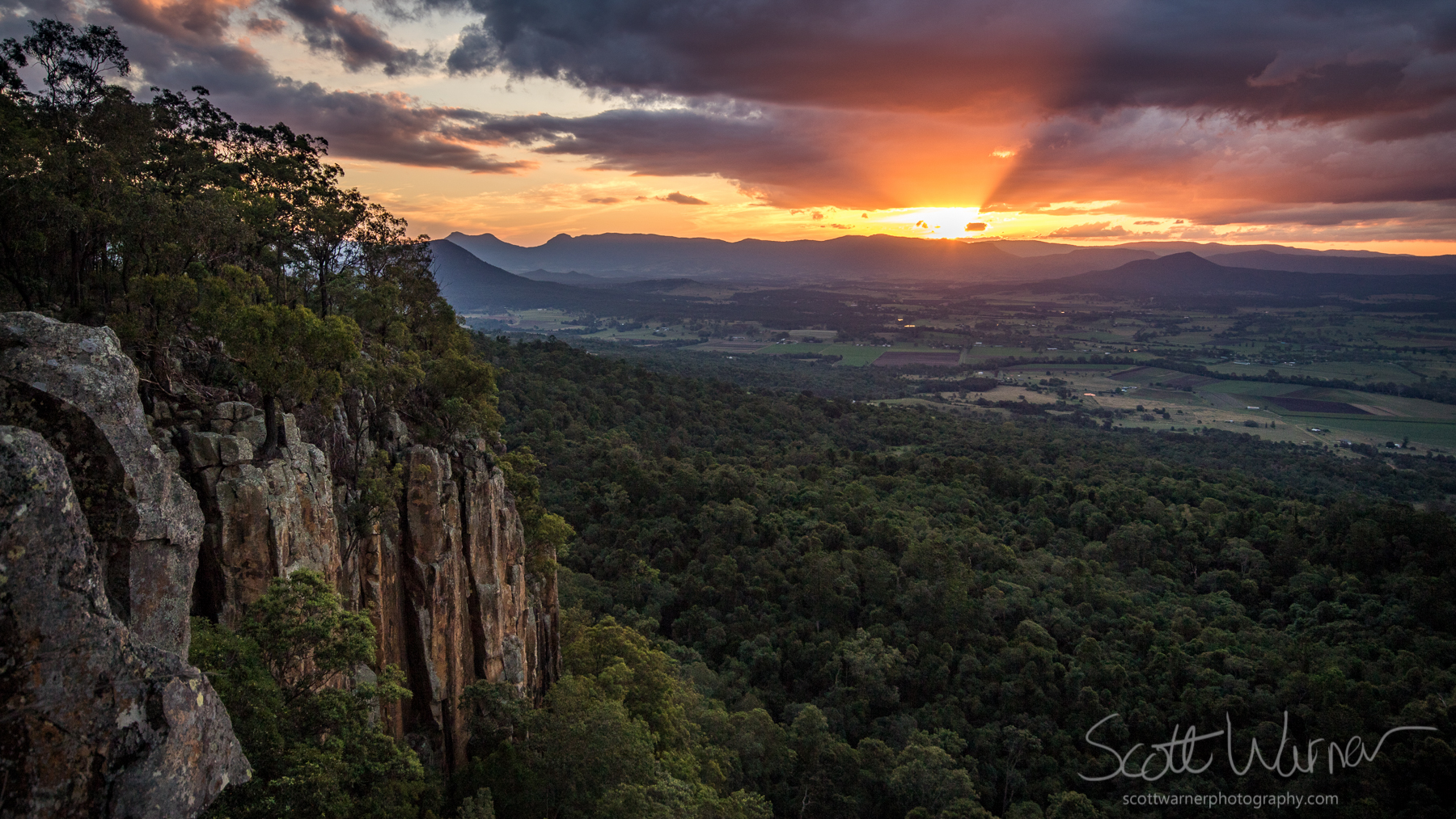 Sunset from the cliffs on Mt French near Boonah in Queensland's Scenic Rim